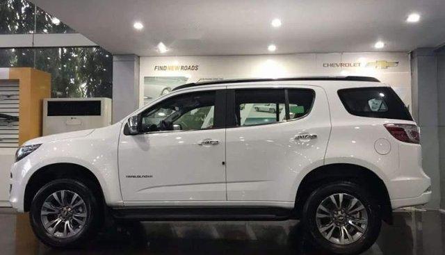 Bán ô tô Chevrolet Trailblazer năm sản xuất 2019, màu trắng, giá tốt