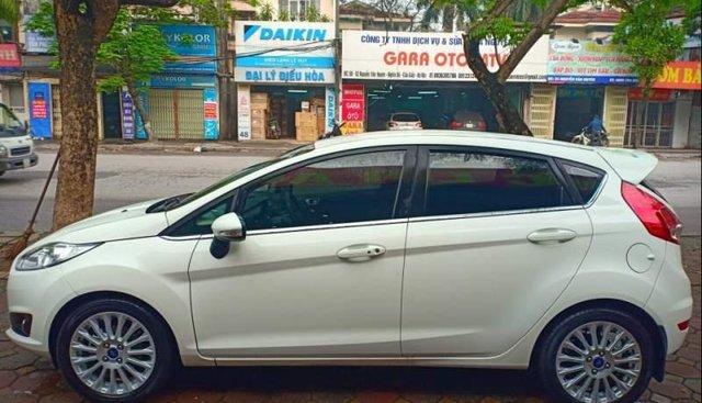 Xe Ford Fiesta 1.5AT sản xuất 2018, màu trắng như mới