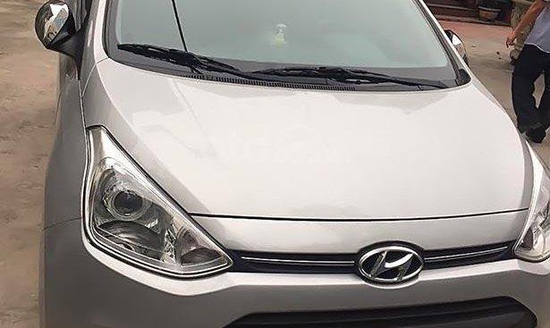 Bán Hyundai Grand i10 tự động Sx 2014, Đk 2014, màu bạc, odo 30000 km, tên tư nhân chính chủ