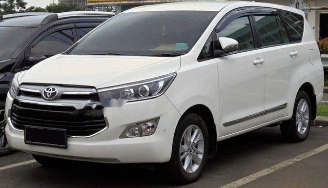 Cần bán xe Toyota Innova đời 2019, màu trắng