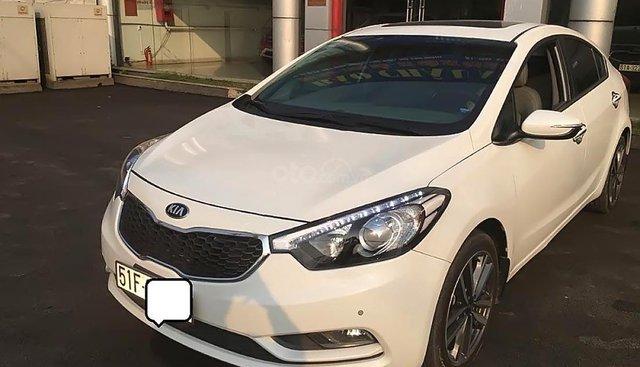 Cần bán Kia K3 2.0AT 2016, xe 5 chỗ, bản full số tự động, lắp ráp trong nước, màu trắng, đăng ký biển SG