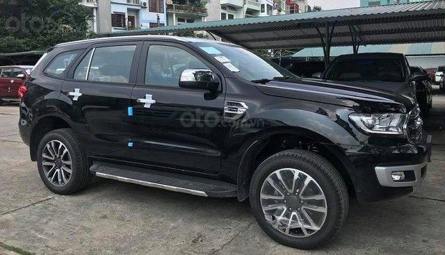 Bán Ford Everest Titanium 4x2 sản xuất 2019 tặng gói phụ kiện lớn, đủ màu giao ngay - LH 0974286009