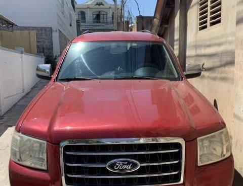 Cần bán gấp Ford Everest MT đời 2008, màu đỏ còn mới