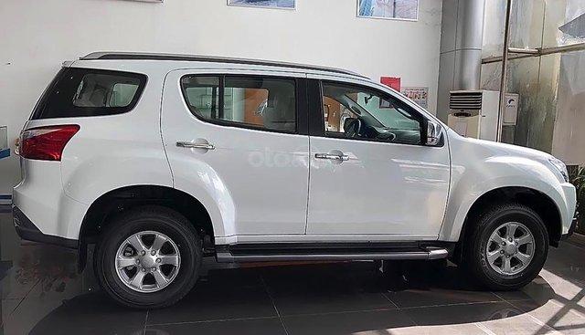 Bán Isuzu mu-X năm sản xuất 2019, màu trắng, nhập khẩu nguyên chiếc giá cạnh tranh