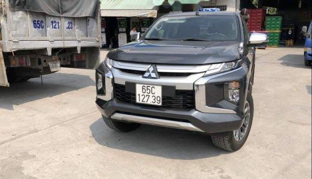 Bán Mitsubishi Triton 4x4AT đời 2019, màu xám, xe nhập