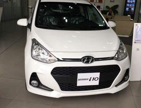 Cần bán Hyundai Grand i10 1.2 AT năm sản xuất 2019, màu trắng
