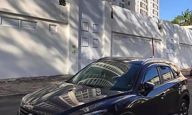 Bán Mazda CX 5 2.5 AT 2WD đời 2017, màu đen, 835tr
