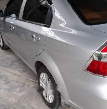 Cần bán xe Daewoo Gentra sản xuất năm 2009, màu bạc, xe chạy rất êm