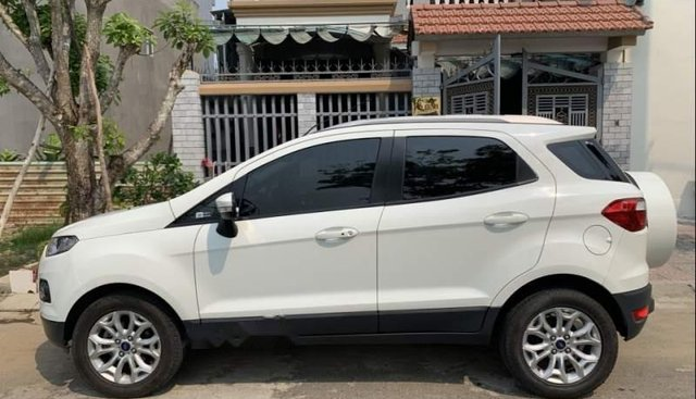 Cần bán Ford EcoSport đời 2016, màu trắng chính chủ