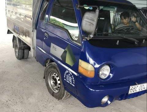 Cần bán xe tải Hyundai 1 tấn, xe nhập Hàn Quốc, đời 2003, thùng mui bạc