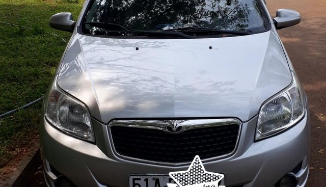 Cần bán gấp Daewoo GentraX đời 2009, màu bạc, nhập khẩu, xe chính chủ, chỉ đi trong thành phố