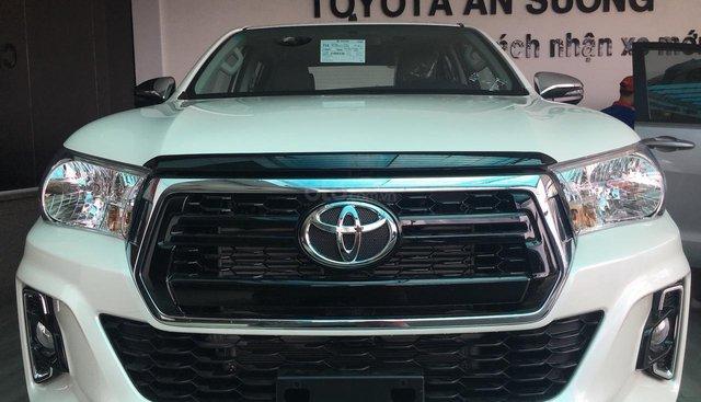 Toyota Hilux 2.4E AT 4x2 gọi ngay 0906882329, nhận ngay giá tốt