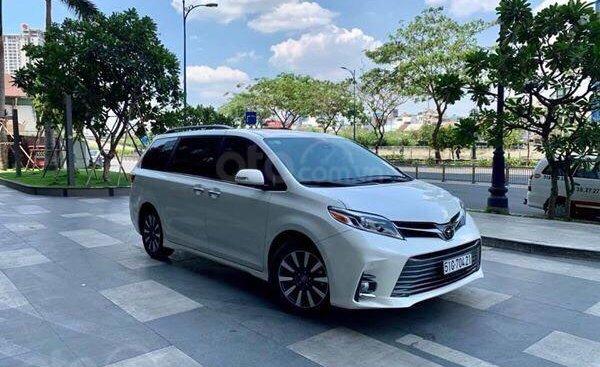 Cần bán xe Toyota Sienna Limited 3.5 sản xuất năm 2018, màu trắng, xe nhập