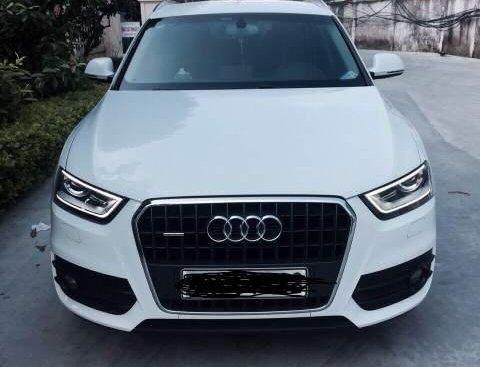 Cần bán lại xe Audi Q3 sản xuất năm 2012, màu trắng, nhập khẩu nguyên chiếc Nhật