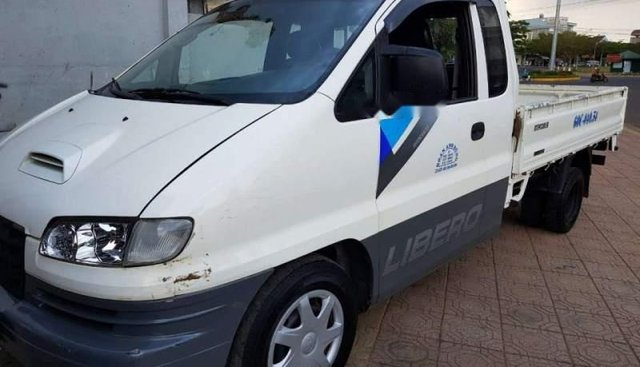 Bán ô tô Hyundai Libero đời 2006, màu trắng, nhập khẩu nguyên chiếc, giá chỉ 195 triệu