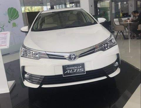Bán Toyota Corolla Altis năm sản xuất 2019, màu trắng, 700 triệu