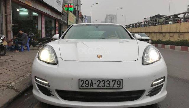 Cần bán Porsche Panamera 3.6 model 2011, màu trắng, nhập khẩu