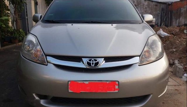 Bán Toyota Sienna Limited năm sản xuất 2007 nhập Mỹ, xe màu bạc, 7 chỗ