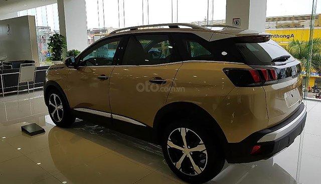 Cần bán xe Peugeot 3008 1.6 AT năm sản xuất 2019, màu vàng, mới 100%