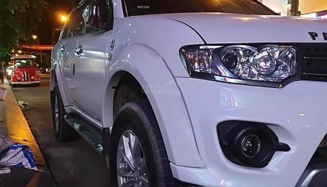 Cần bán xe Mitsubishi Pajero Sport năm 2015, màu trắng, đã nâng cấp đồ chơi đầy đủ cho xe