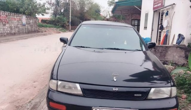 Cần bán Nissan Bluebird đời 1994, màu đen, xe nhập giá cạnh tranh