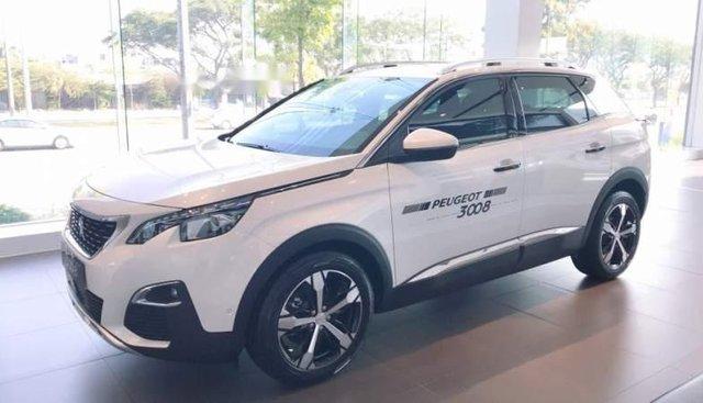 Cần bán xe Peugeot 3008 2019, màu trắng
