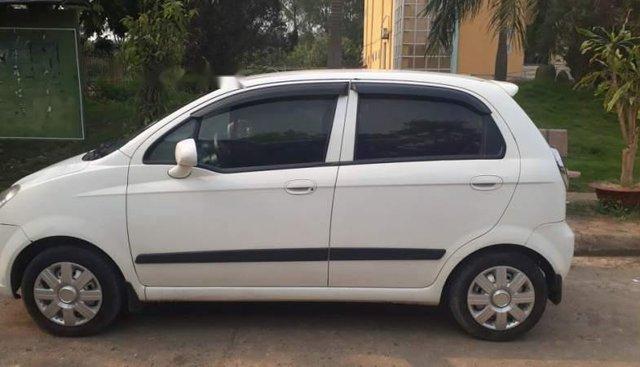 Cần bán gấp Chevrolet Spark 2012, màu trắng như mới, giá tốt