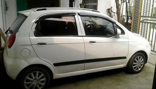 Cần bán Chevrolet Spark đời 2010, màu trắng, xe nhập, giá cạnh tranh