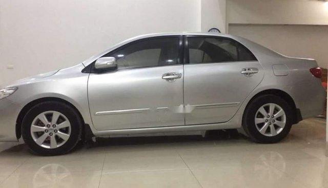 Bán xe Toyota Corolla Altis năm sản xuất 2010, màu bạc