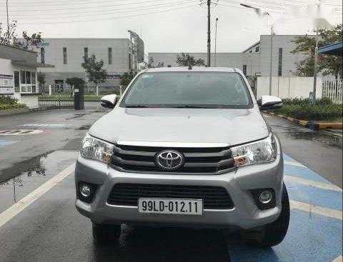 Bán ô tô Toyota Hilux đời 2017, màu bạc, nhập khẩu nguyên chiếc Hàn Quốc