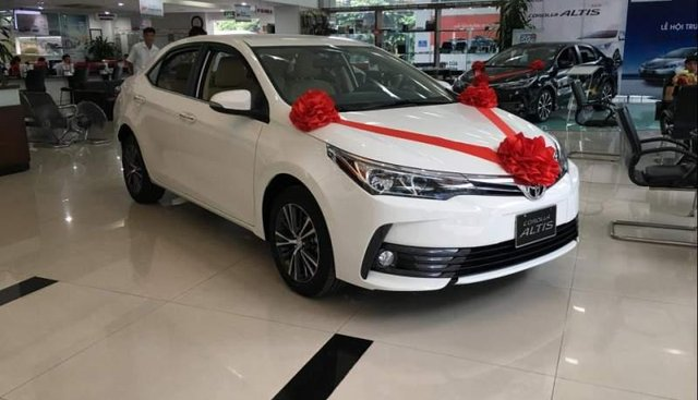 Bán Toyota Corolla Altis năm sản xuất 2019, màu trắng