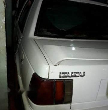 Bán Isuzu Gemini đời 1989, màu trắng, xe nhập