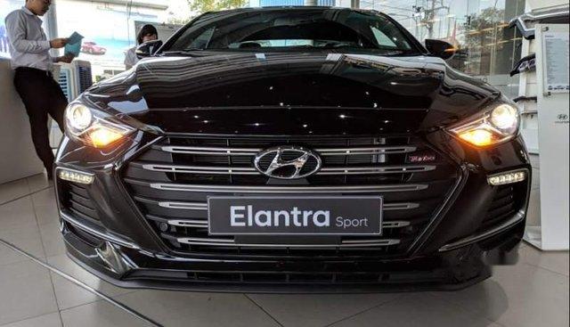 Bán Hyundai Elantra Sport 1.6Turbo 2018, màu đen, xe nhập