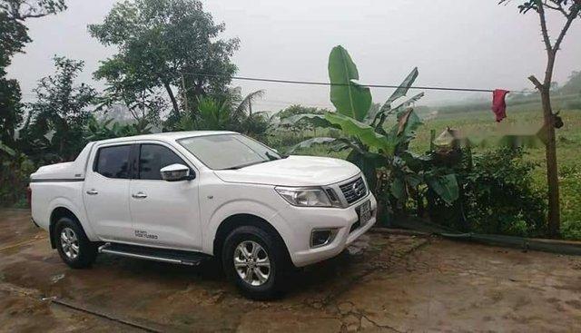 Xe Nissan Navara MT đời 2015, màu trắng, nhập khẩu