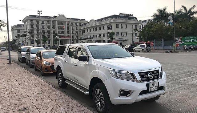 Xe Nissan Navara SL năm sản xuất 2018, màu trắng, giá chỉ 580 triệu