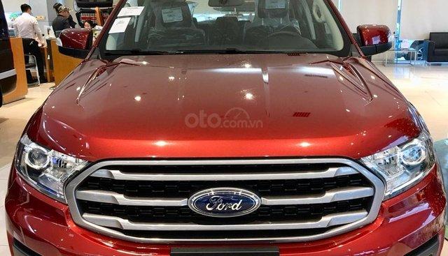 Bán Ford Everest Ambiena AT đời 2019, màu đỏ, nhập khẩu nguyên chiếc - Xe có sẵn, giao ngay, tặng bảo hiểm thân vỏ