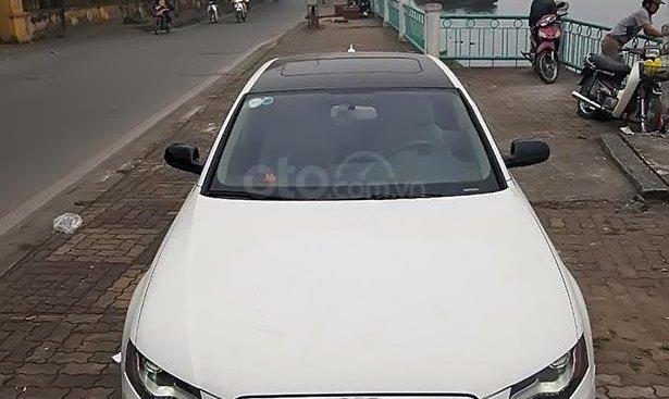 Bán Audi A4 2.0 2010, màu trắng, nhập khẩu nguyên chiếc