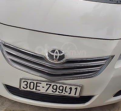 Bán Toyota Vios đời 2010, màu trắng, xe gia đình