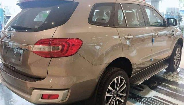 Bán ô tô Ford Everest 2.0AT sản xuất 2019, xe nhập