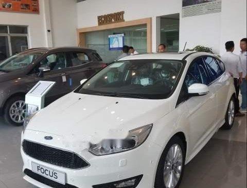 Bán Ford Focus đời 2019, màu trắng