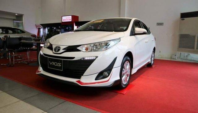 Bán Toyota Vios 2019, màu trắng, giá cạnh tranh