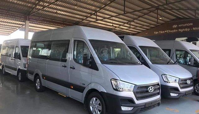 Xe khách Hyundai Solati 16 chỗ, đời 2019, khuyến mãi 30tr, hộp đen, hỗ trợ vay cao - Lh: 0932778794