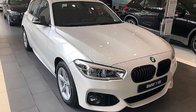 Cần bán xe BMW 1 Series 118i 2018, màu trắng, mới 100%