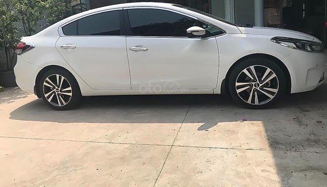 Bán xe Kia Cerato Signature 1.6 AT 2017, màu trắng, 550 triệu