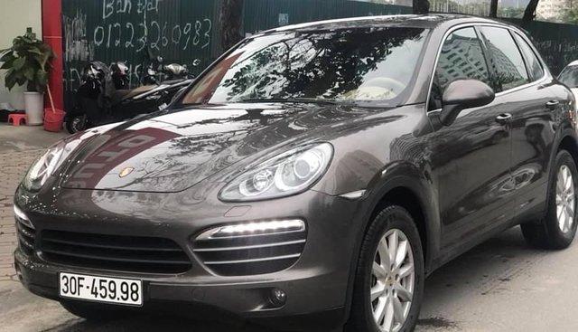 Bán xe Porsche Cayenne sản xuất năm 2011, màu nâu, nhập khẩu