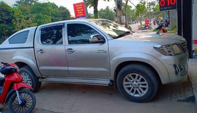 Bán ô tô Toyota Hilux sản xuất năm 2013, màu bạc, nhập khẩu, 470 triệu