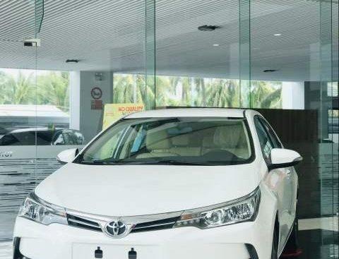 Cần bán xe Toyota Corolla Altis đời 2019, màu trắng, 791 triệu