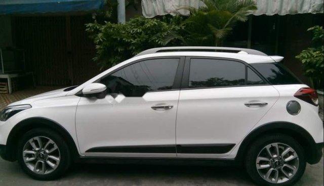 Bán Hyundai i20 Active sản xuất năm 2015, màu trắng, nhập khẩu số tự động, giá 500tr