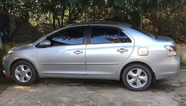 Cần bán gấp Toyota Vios E đời 2009, màu bạc
