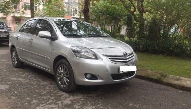 Gia đình bán Toyota Vío 1.5G màu bạc, sx 2013 số tự động